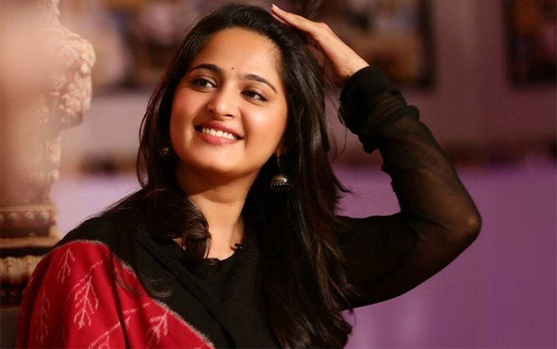 Is Anushka really in love with Prabhas?